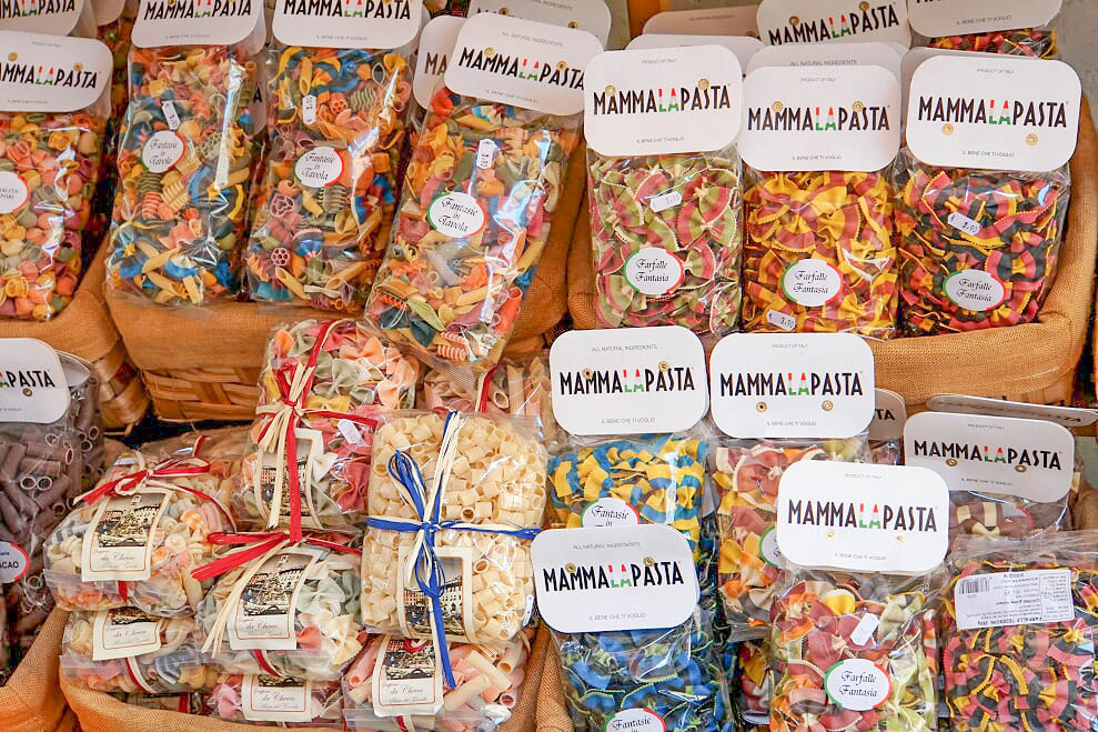 שווקים סביב אגם גארדה
